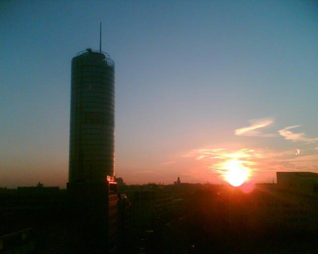 Der Ruhrtower im Sonnenuntergang