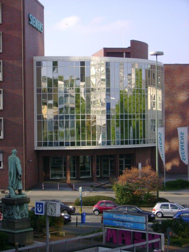 Bismarckplatz und Siemensgebäude