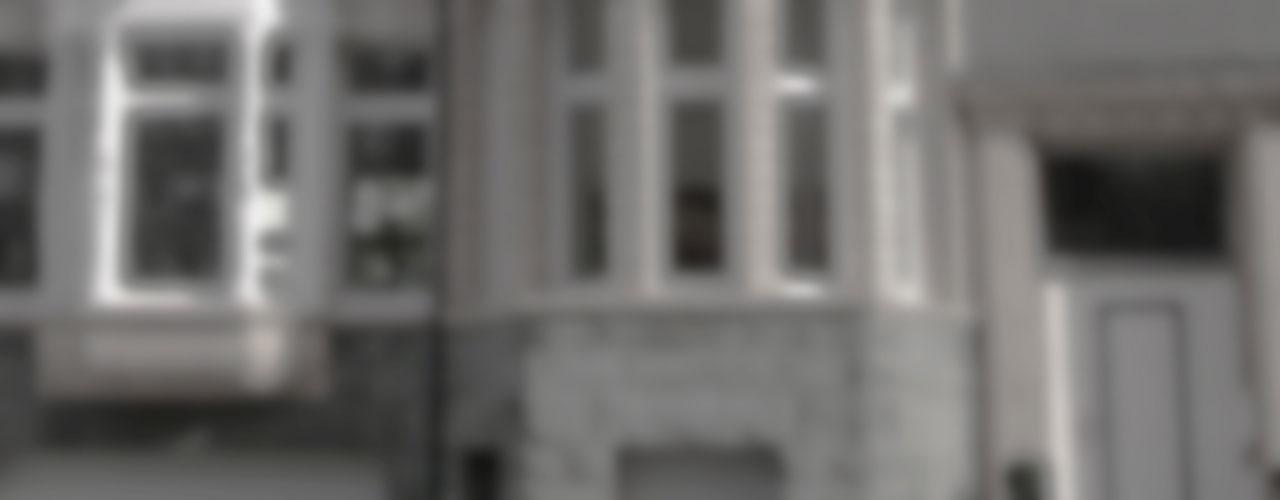 Hintergrundbild im Slieder, Kanzleigebäude, unscharf, grau im Hintergrund